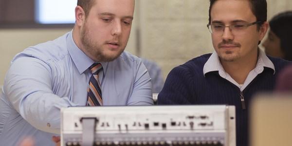 APP 101: Hands-On Introduction to SEL Relays | Schweitzer