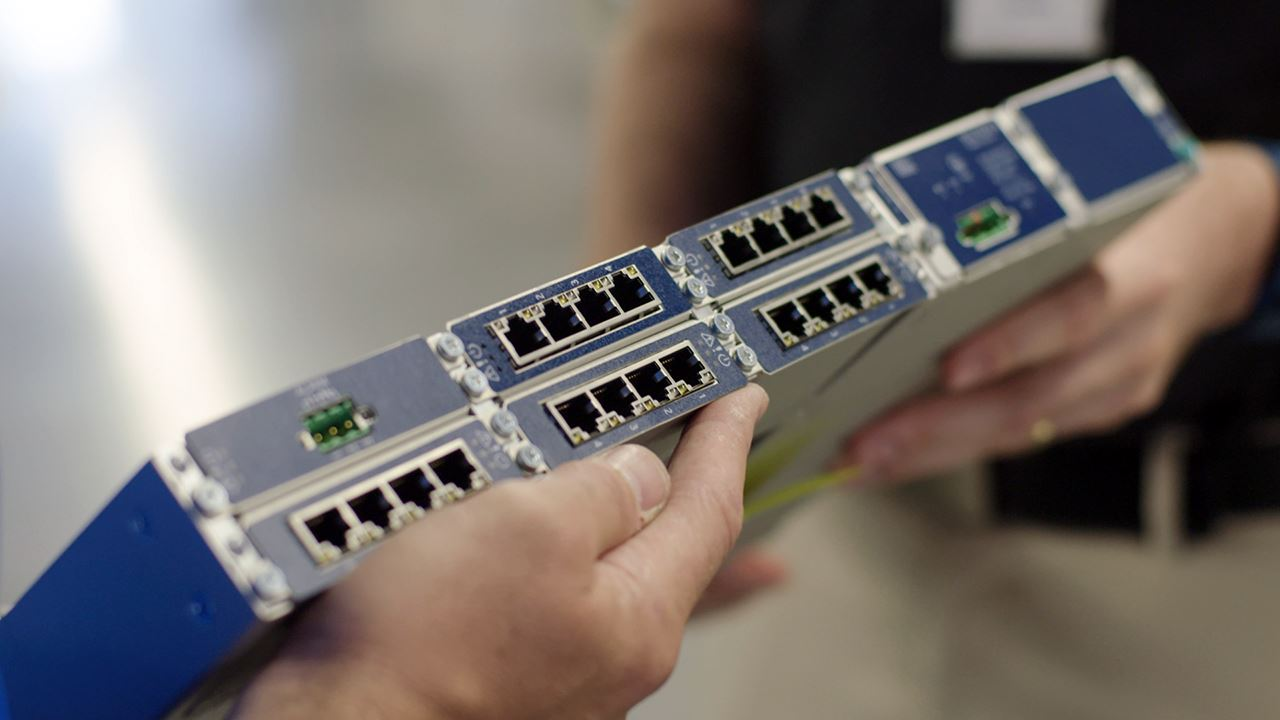 Engineer a better network. It starts with SDN.